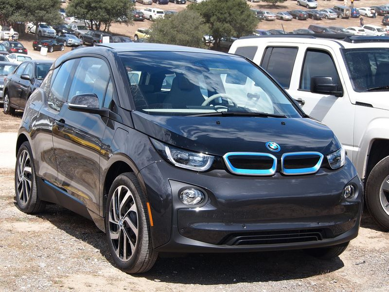 Gespot: BMW i3 in Arravani Gray