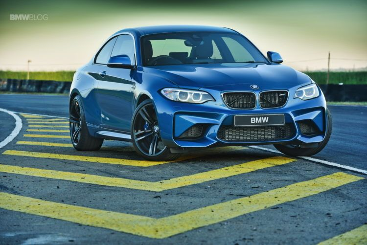 Photos BMW M2 Coupe Long Beach Blue 23 750x501